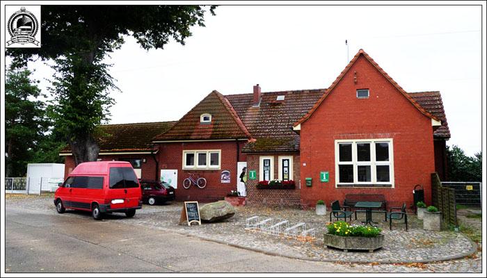 warnitzbahnhof1